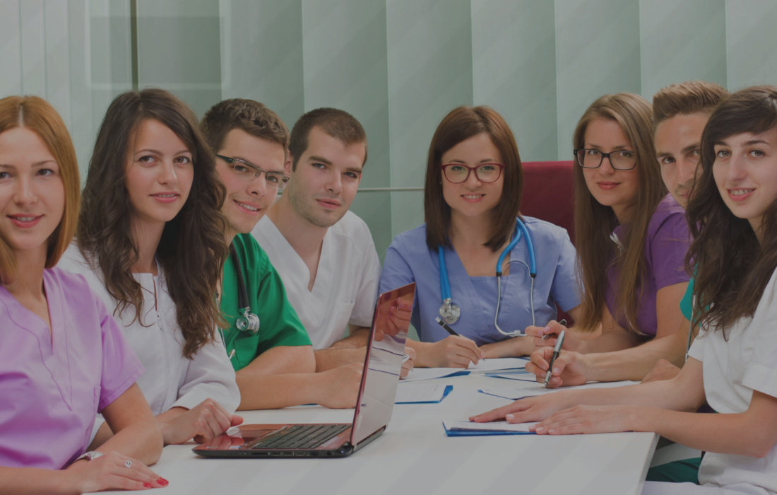 doctor assistant with the team